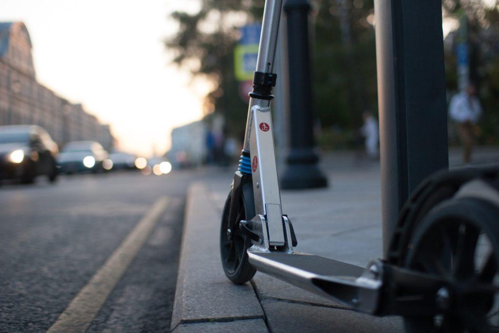 Patinete para uso compartido en la calle